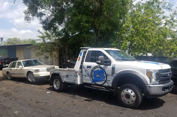 Core Support Auto Recycling Tow Truck with Car
